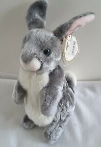 Vntg TY Beanie Baby - 2000 HOPPER THE RABBIT  Orig Tag +Protector  W/Free Ship