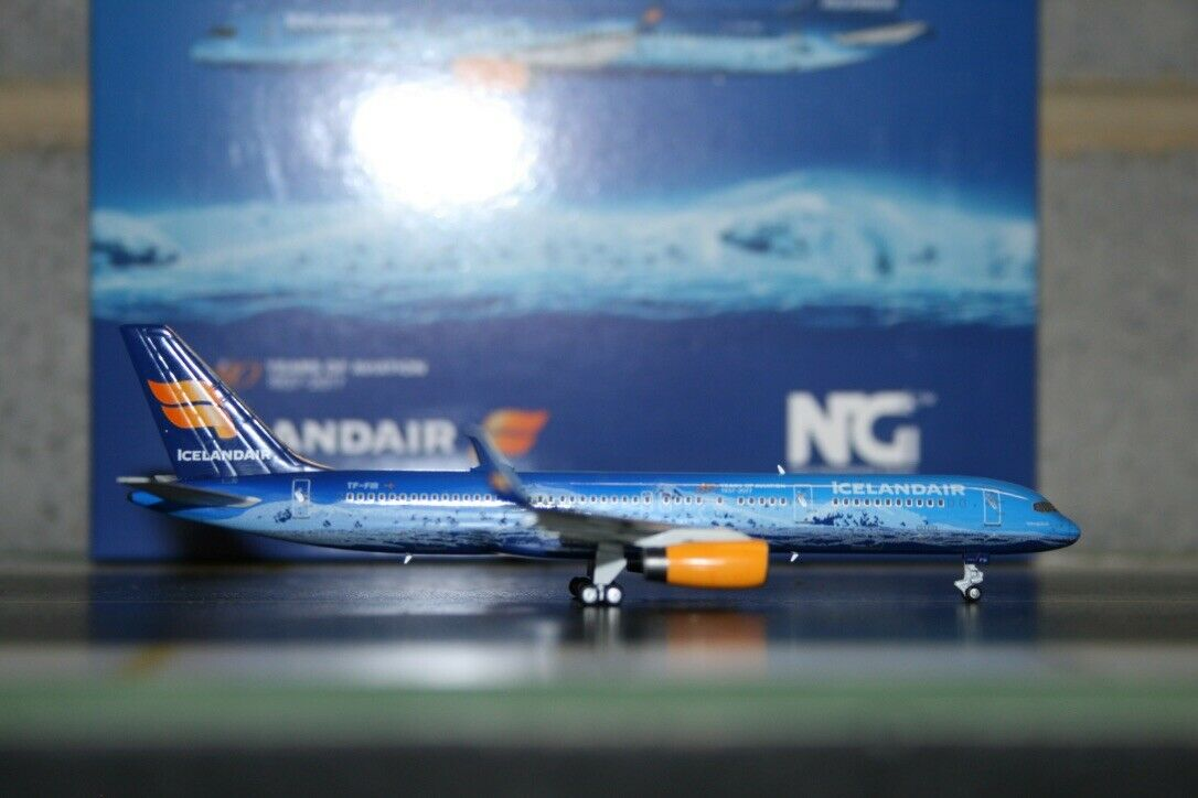 NG Model 1 400 Icelandair Boeing 757-200 TF-FIR (53052) Model Plane