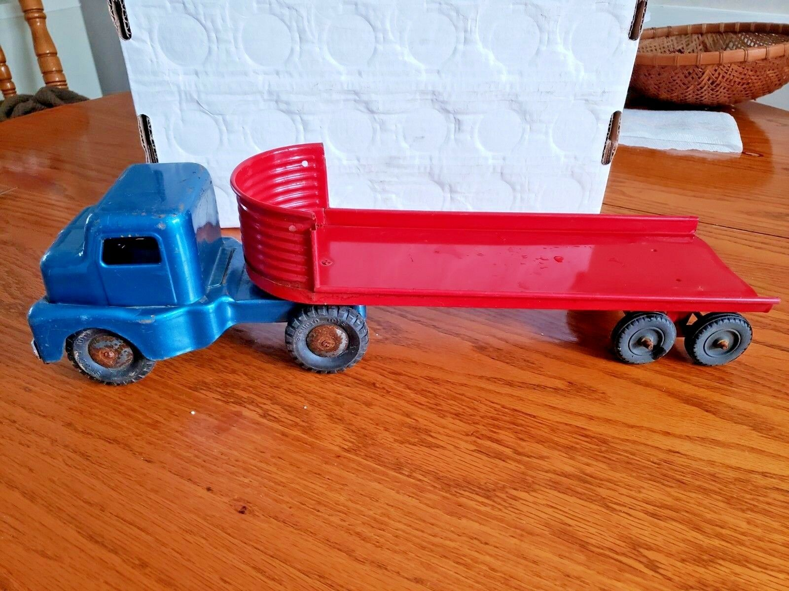 ordene ahora los precios más bajos Structo Camión de de de grano de Cochega de cama plana de acero prensado década de 1950  muy popular