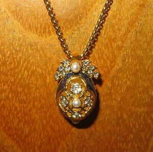 Russian-FABERGE-inspired-BLUE-ENAMEL-Swarovsky-Crystals-EGG-with-wings-pendant