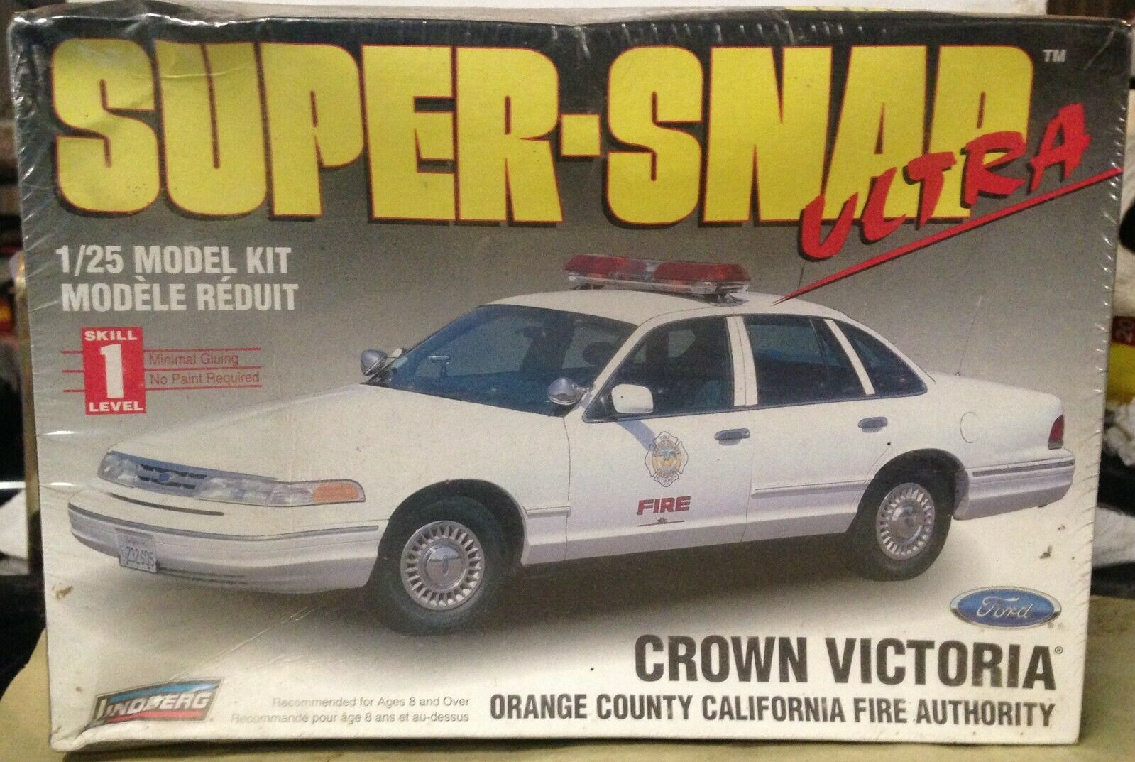 1997 Ford Crown Victoria Police Car unmarked 1:25 Lindberg 72715