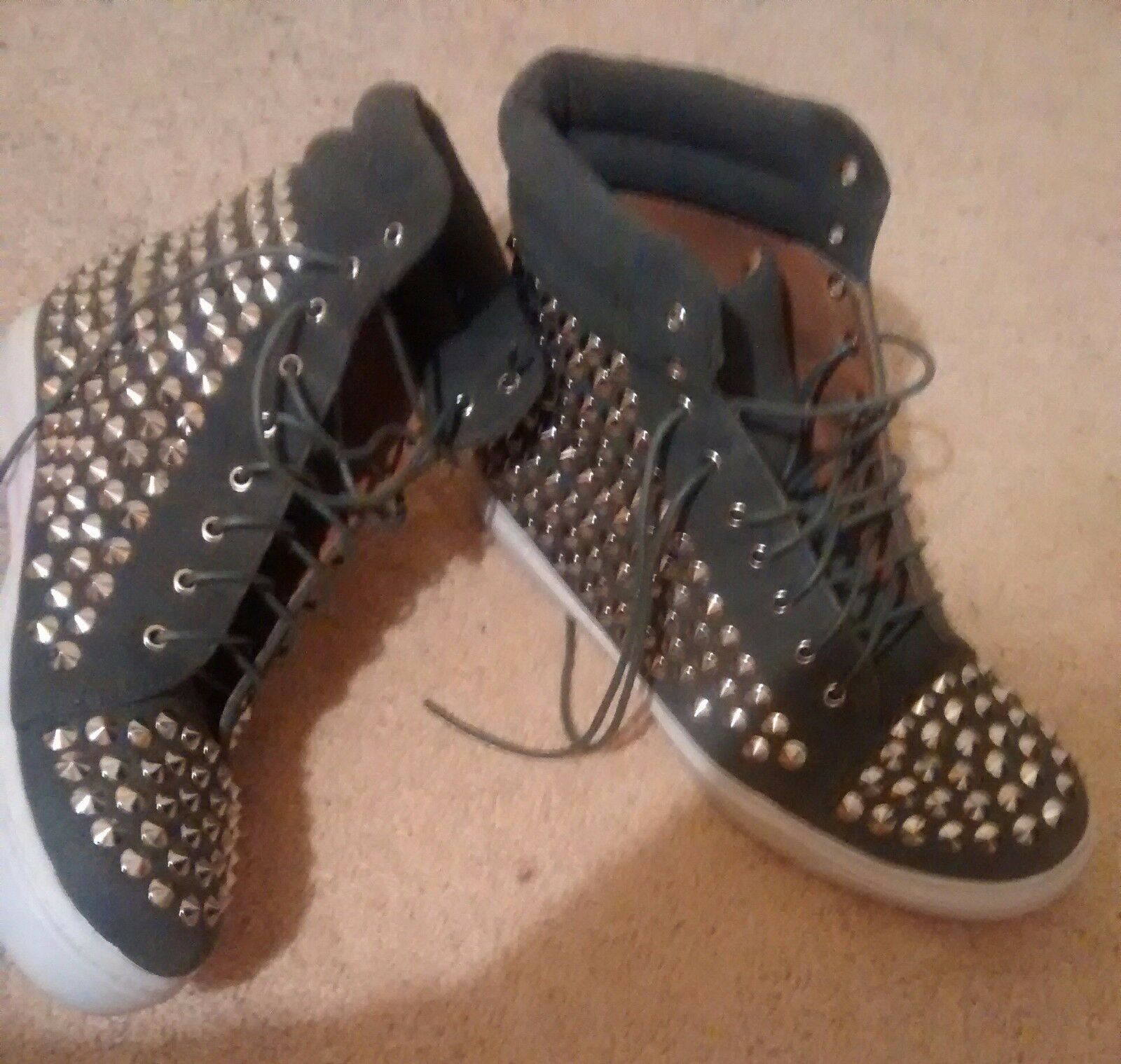 Iconique 7 40 Jeffrey Campbell Alva en daim gris Rivets Studs Baskets Montantes