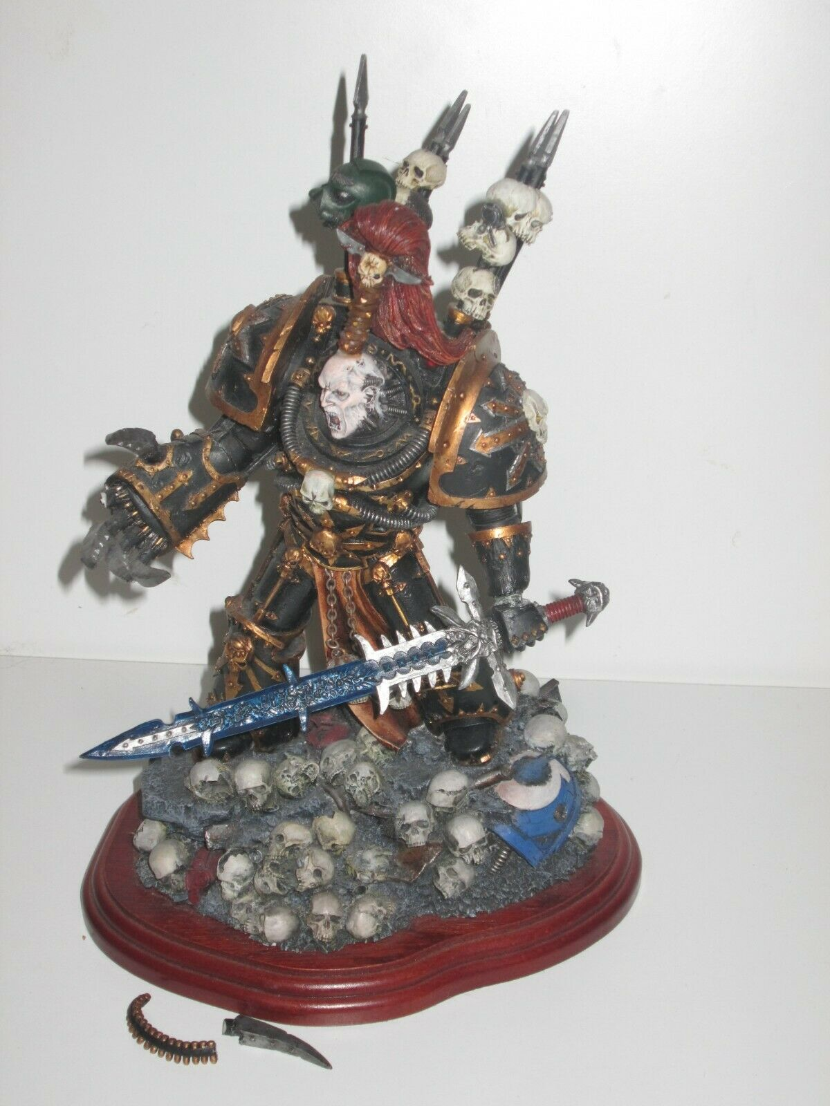 Forgeworld Warhammer 40K Chaos Space Marine Abaddon Statue on Wooden Plinth