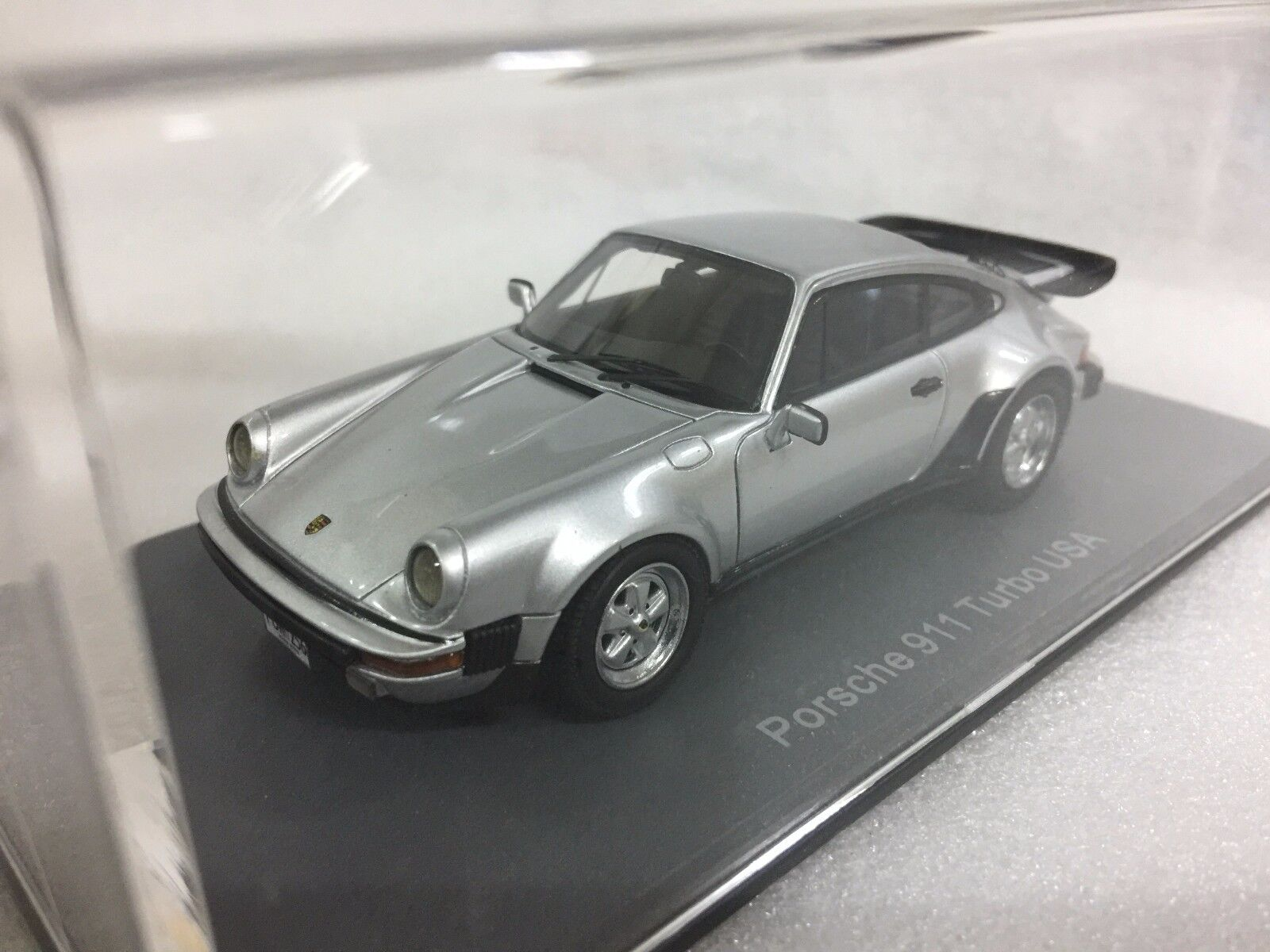 1 43 NEO SCALE MODELS 43256 PORSCHE 911 CARRERA TURBO COUPE US BUMPERS model car