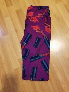 dd0d049d222951 Image is loading LULAROE-LEGGINGS-OS-LIPSTICK-PRINT-PURPLE