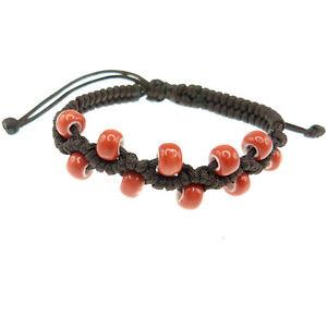 Bracelet-femme-reglable-Perles-porcelaine-rouge-vermillon-cordon-macrame-marron