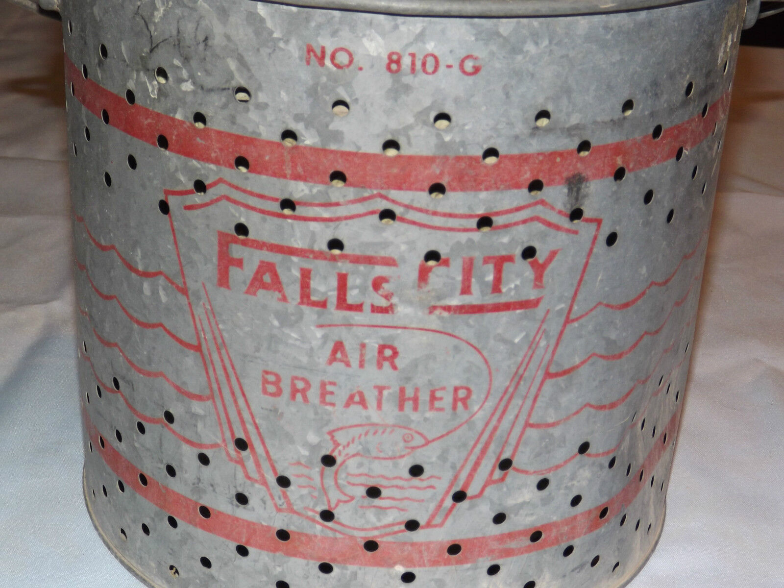 VINTAGE FISHING  1950-60S FALLS CITY AIR BREATHER  METAL CAN  FISH BAIT HOLDER