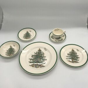 Spode-China-Christmas-Tree-Patter-4-place-settings-6-pc-per-setting-24-pc-total