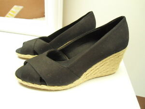 02ad720f62c Details about Womens Size 6.5B Chaps Black Canvas Dakoda Wedge Heel Shoes  NEW