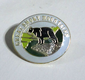 ZP283 Great Smoky Mountains Bear Enamel Lapel Pin Badge
