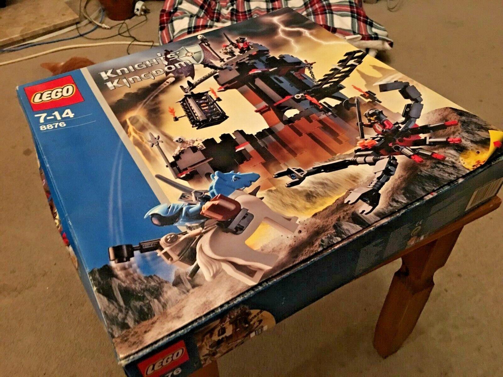 VINTAGE LEGO 8876 KNIGHTS' KINGDOM SCORPION PRISON CAVE BNIB