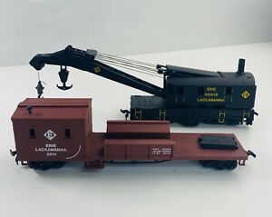 Set-of-2-Bachmann-Erie-Lackawanna-Wreck-Crane-and-Cargo-Car-HO-Scale-20272