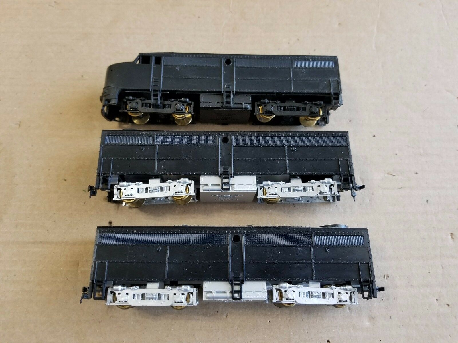 Rare Train Miniatures Micro Cast HO Undecorated A-B-B Dummy Units (made in Japan