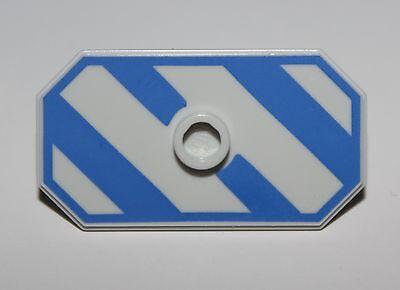 LeGo Castle Very Light Bluish Gray Minifig Shield Rectangular Jayko Hawk Pattern