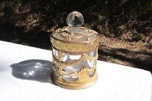 100% Vrai Flacon Couvert Cristal De Saint Louis Monture Bronze Ajouré Xix ème Siècle Bon Pour AntipyréTique Et Sucette De La Gorge