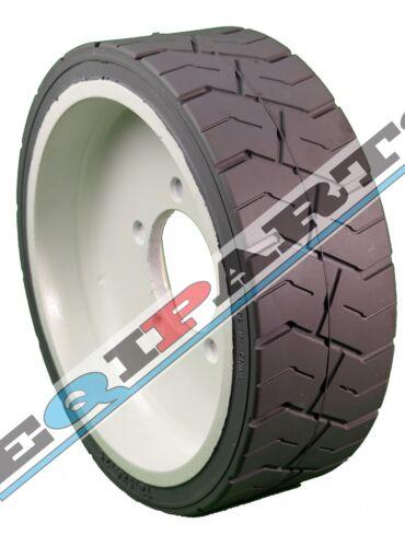 JLG Tire 4860182