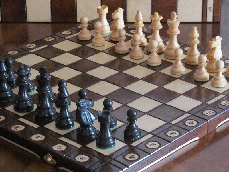 Brand New French Knight ebonized wooden chess set. Great board.