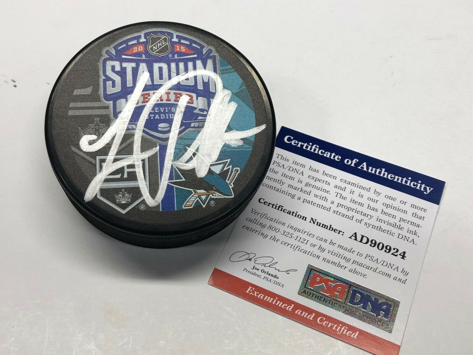 Luc Robitaille Signed Stadium Series Hockey Puck Sharks/Kings Dodger Stadium PSA