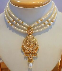 Real-pearls-pearl-studded-necklace-set-22ct-22k-yellow-gold-Bollywood-style-ind