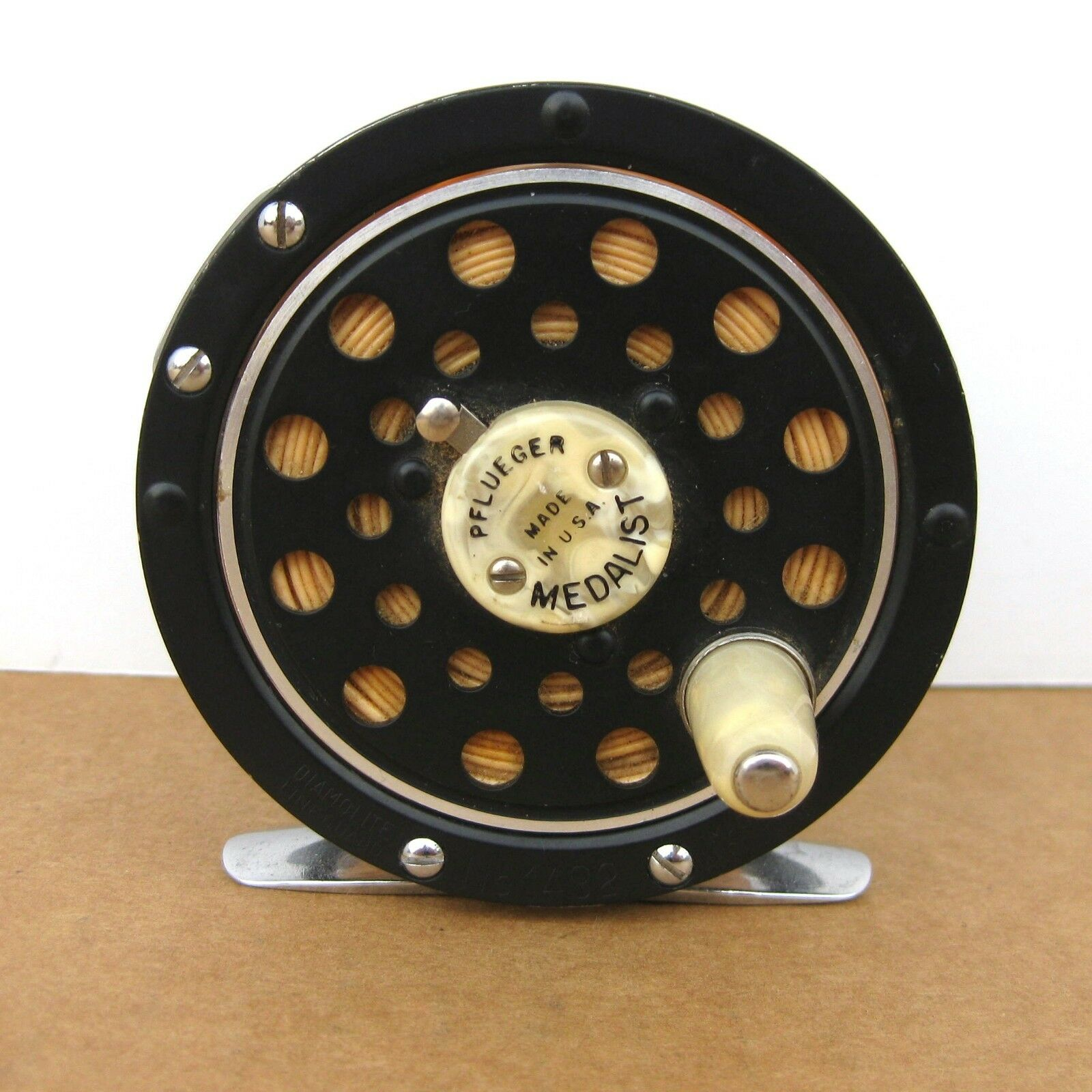 Vintage Pflueger Medalist No. 1492 Fly Fishing Reel Diamolite Line Guard USA