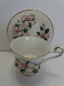 Vintage-Paragon-Small-Tea-Cup-And-Saucer-Floral-Peonies-5-034-saucer-3-034-cup