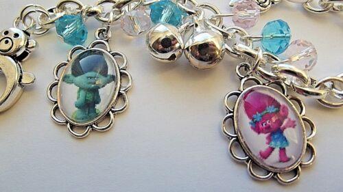 Anniversaire TROLLS POPPY AND BRANCH réglable bracelet s/'adapte 2 To année 4 Boîte Cadeau