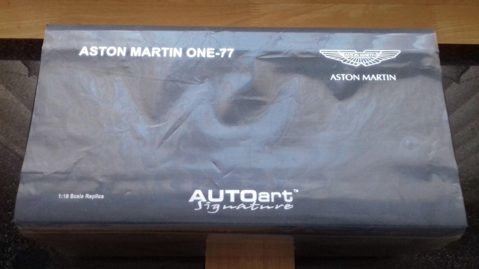 Autoart 1/18 ASTON MARTIN One-77 in grigio, difficile da trovare colore.