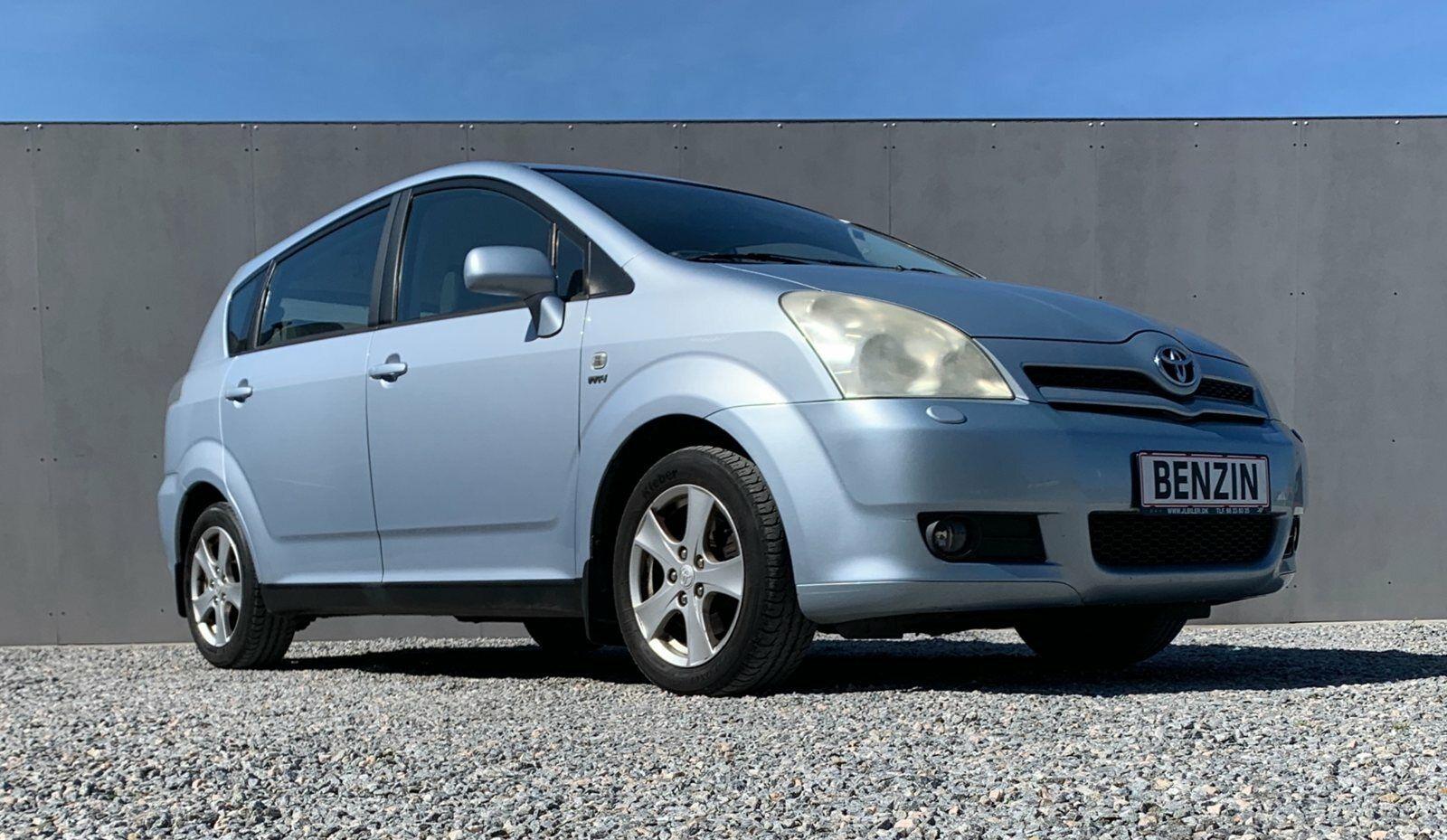 Toyota Corolla Verso 1,8 Terra MMT 7prs 5d