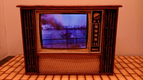 1/12 scale Dollhouse miniature old vintage working TV Puppenstuben & -häuser
