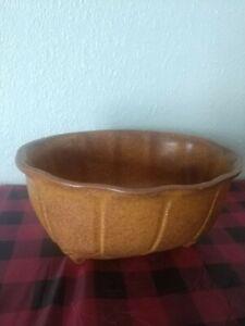 Vintage MCM Brown Speckled Shawnee Planter Vase ~ USA 489 ~ Matte Glaze Finish