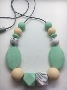 Silicone-Sensory-was-teething-Necklace-for-Mum-Gift-Aus-Sell-Mint-Jewellery