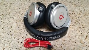 Beats-by-Dr-Dre-Beats-Pro-Headbands-Headphones-silver-Black-color
