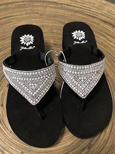 New Women's Yellow Box Bedazzled Flip Flops Sandals Size 7 New Sandals