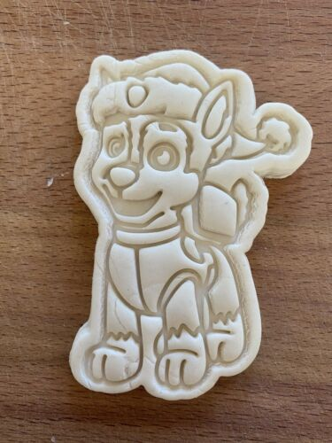Chase Xmas Cookie Cutter Paw Patrol