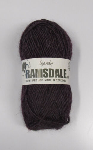 50g BALLS Born, Bred /& Made in Yorkshire - VARIOUS SHADES WENDY RAMSDALE DK