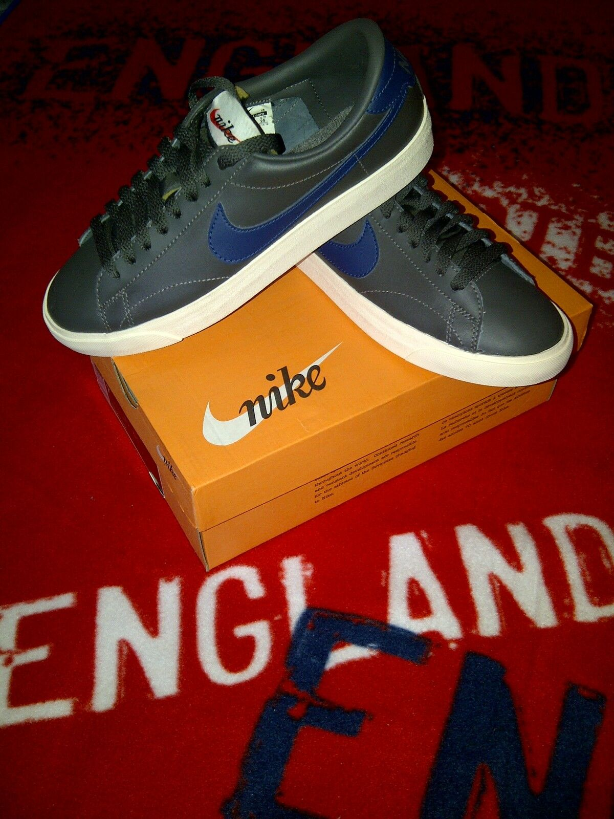 Nike tennis classic ac vintage ..100% genuine..unisex trainers Taille 6 uk eur-40
