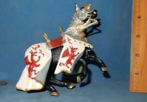 MEDIEVAL-HORSE-ACTION-FIGURE-DRAGON-OUTFIT-no-Knight-rider-EUC-PLASTOY-papo