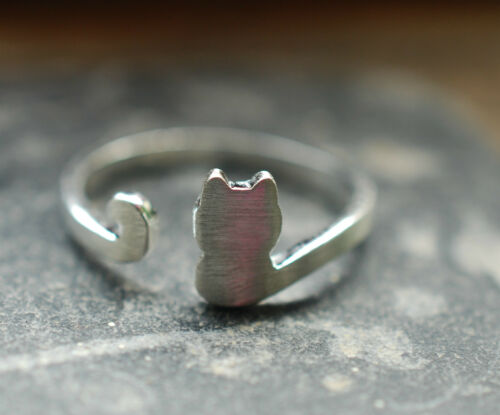 Unusual Solid Silver Cat Ring Brushed 925 Silver Adjustable Size M N O P