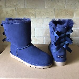 UGG SHORT BAILEY BOW NAVY BLUE SUEDE