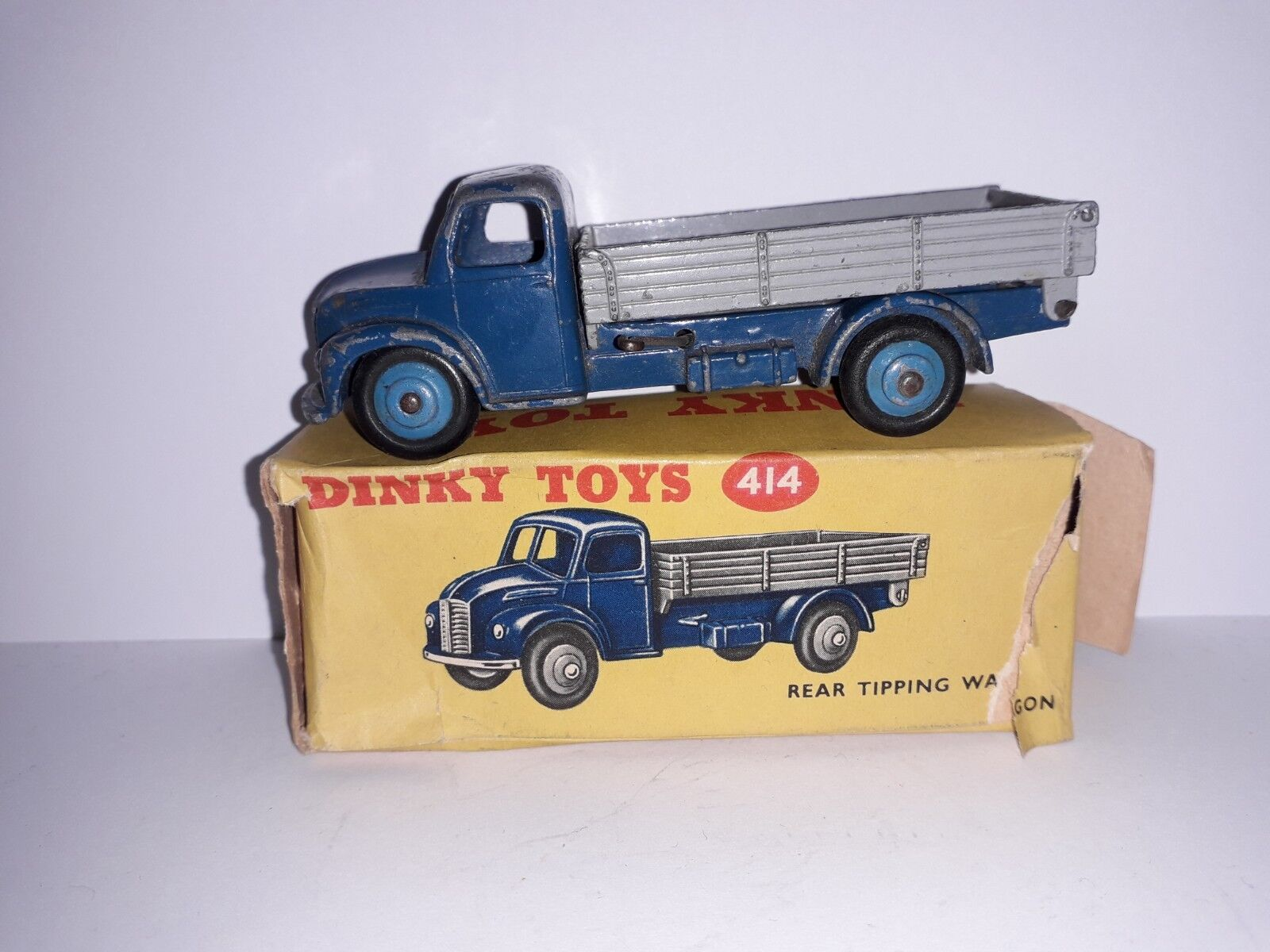 Boxed Dinky Toys 414 Rear Tipping Wagon Dodge bluee Cab with Grey Tipper