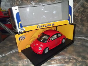 GATE-Auto-Art-VW-VOLKSWAGEN-NEW-BEETLE-ROUGE-COCCINELLE-Kafer-echelle-1-18