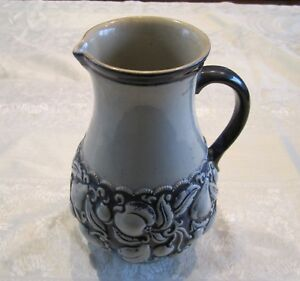 Blaue Keramik Krug Bembel Henkelgefäß  Vase mit Obst-Dekor 1,l Steingut