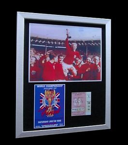 ENGLAND-MOORE-1966-WORLD-CUP-FINAL-LTD-Numbered-FRAMED-EXPRESS-GLOBAL-SHIPPING