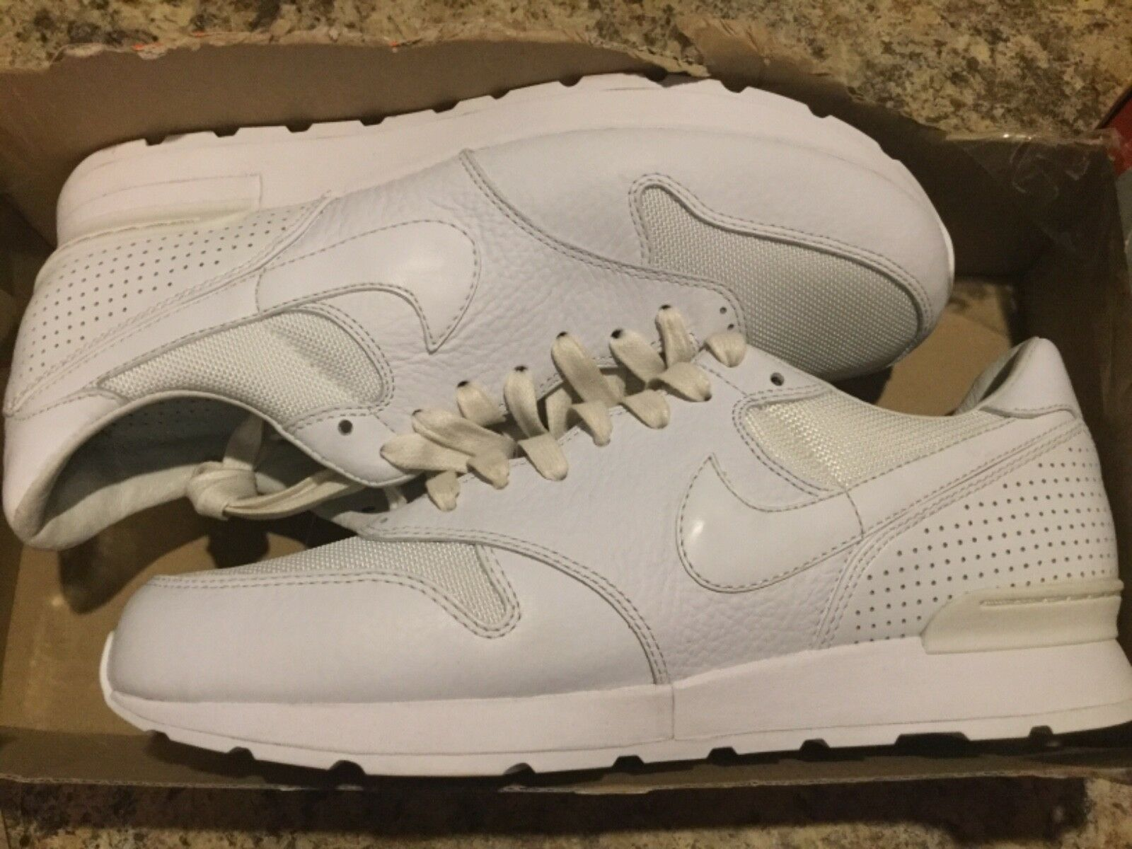 New Mens Nike Air Zoom Epic Luxe alll white Run Running shoes 876140-100 Sz 9
