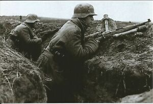 WW-II-Photo-German-Soldiers-With-Rifle-amp-Grenade-In-Trench