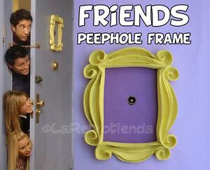 Marco-de-amigos-programa-de-TV-marco-de-la-puerta-de-Monica-Amarillo-mirilla-replica-de-gran