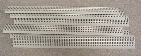 Dieci pezzi Lionel Fastrack 30 Binario rettilineo 25 piedi NUOVO