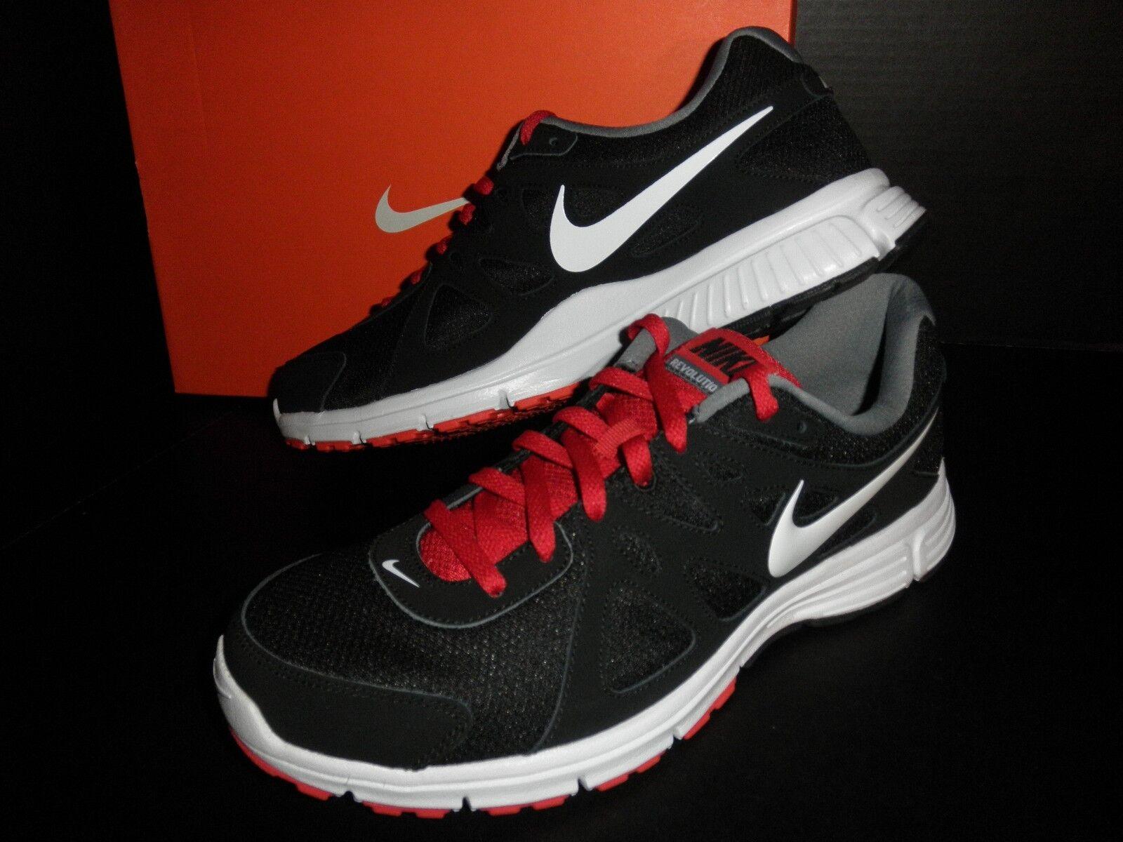 NWT Mens NIKE Reax Run 8,  Athletic Sneaker Shoes: Black/White/Grey/Red