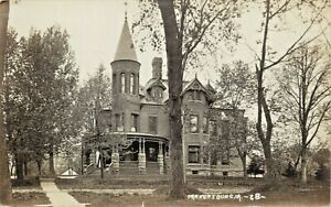 A-View-Of-A-Palatial-Residence-Parkersburg-Iowa-IA-RPPC