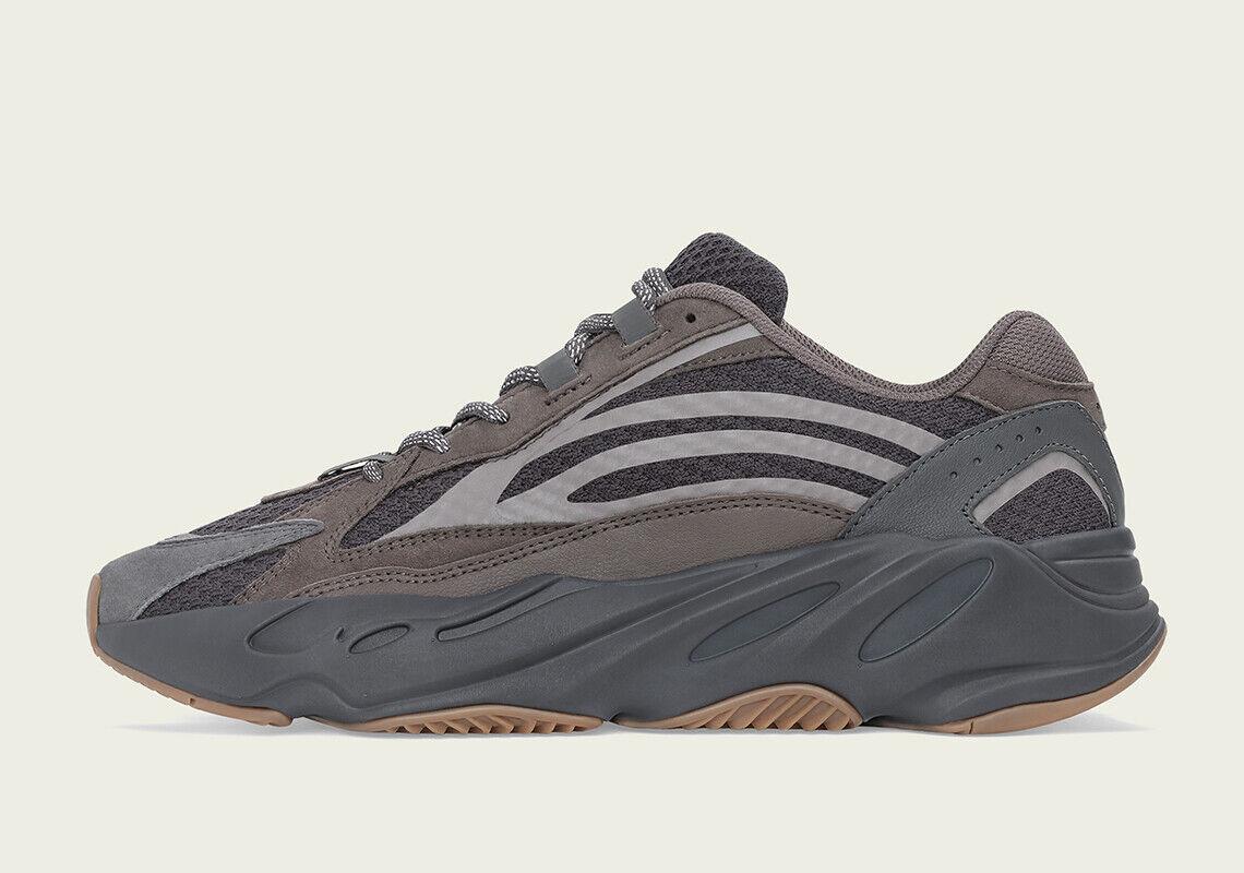 Adidas Yeezy Boost 700 V2 Geode Reflective Brown Size 4. EG6860